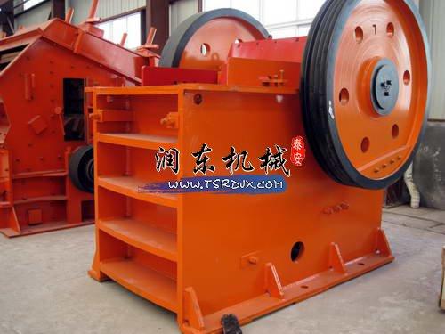鄂式制砂机是加工河卵石等硬质砂石不可或缺的设备